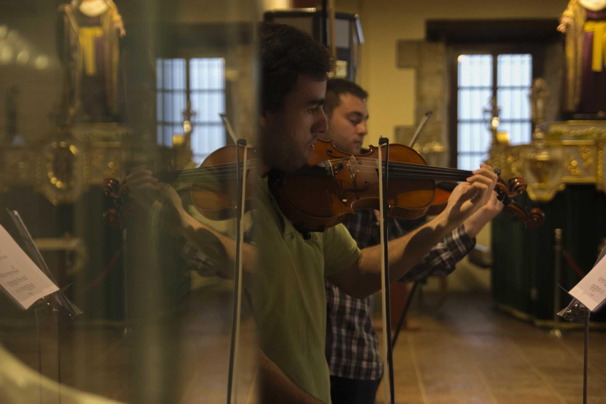 Violinista Ander Urrutia y Jorge